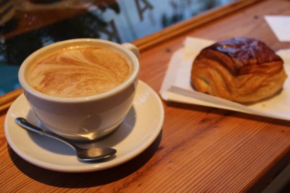 Pain au chocolat + a latte